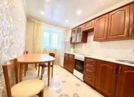 Сдам в аренду 2-комнатную квартиру, 50 м2, Свердловская область, улица Паровозников, 32